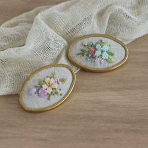 Broche Oval Flores